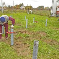 Надо ли и как обработать почву под свайным фундаментом - песок, гравий, геотекстиль?