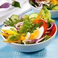 Витаминная пора: 7 рецептов легких летних салатов