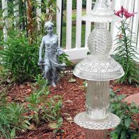 Стеклянные скульптуры в саду