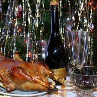 Рождественский гусь с айвой и черносливом