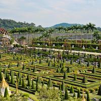 Чарующие виды ландшафтного сада Нонг Нуч в Паттайе, Таиланд