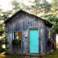 Магическое превращение — из старого сарая в уютный летний домик