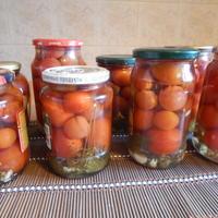 Миниатюрные помидорки черри