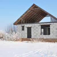 Что лучше выбрать для строительства дома - газобетон или пенобетон?