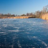 Как не провалиться под лед и что делать, если провалился