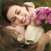 Мама — самая дорогая роскошь в мире. Так будьте добры, цените её