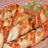 Слоеные завитушки: быстрая закуска для пикника