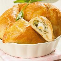 Весенние пироги со свежей зеленью и овощами