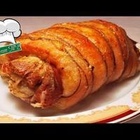 Новогодний рулет из свинины и пирог с грибами
