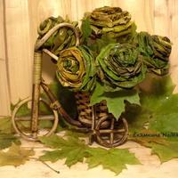 Осенние розы из кленовых листьев