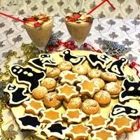 """Детский новогодний стол:  медовые пряники, """"Снежки"""", коктейль """"Метелица"""""""