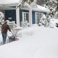 Как избежать поломок садовой техники зимой. Выбираем моторное масло