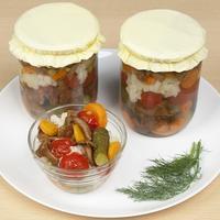 Салат из овощей с лисичками на зиму