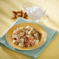 Лисички в сметане с жареной картошкой