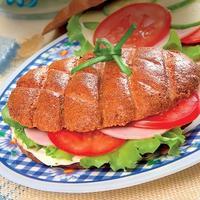 Закрытый бутерброд с питательной начинкой: возьмите с собой на природу