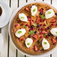 Летний ягодный пирог: всего три шага приготовления