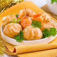 Закуски с нежной начинкой: 10 простых рецептов к празднику