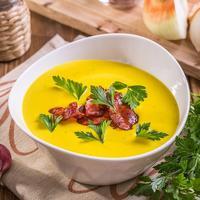 Яркий крем-суп из картофеля