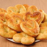 Булочки-сердечки: простая домашняя выпечка