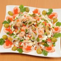 Салат с морепродуктами. Это просто праздник вкуса!