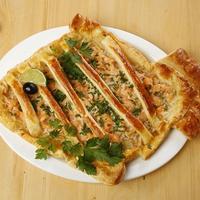 Пирог из слоёного теста с рыбной начинкой: очень интересная подача