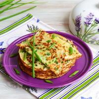 Сырные блинчики с зеленым луком