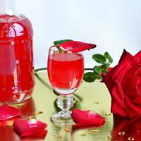 Ликёр из лепестков роз