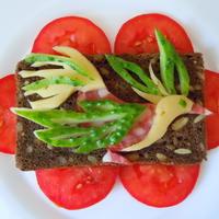 Яркие бутерброды на закуску