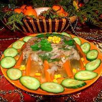 Холодец-традиционное новогоднее блюдо в нашей семье...