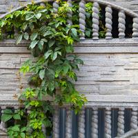 Во сколько обойдется забор: ограждения из бетона и его производных
