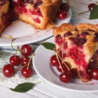 Как приготовить в мультиварке пышный пирог с ягодами