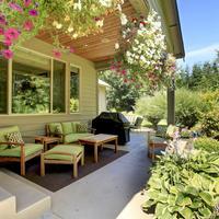 Обустраиваем пространство вокруг дома: террасы, веранды и патио