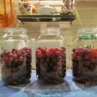 Компот из ягод без кипячения. Секретный способ не ошпариться