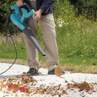 Современное решение в уборке участка: мощные воздуходувы-пылесосы GARDENA