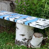 Скамейка из старой двери