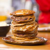 Фантастические оладушки с медовым маслом: вкусные и нежные!