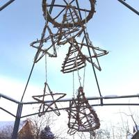 Музыка ветра. Мобиль для сада из лозы девичьего винограда