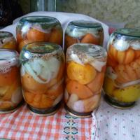 Мариновала помидоры по новому рецепту