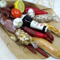 Съедобный мужской букет из колбасы в подарок на Новый год