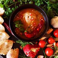 Курица, тушенная в остром томатном соусе с гранатовым соком
