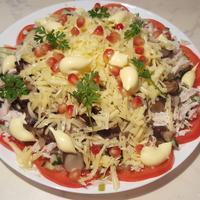 Слоеный салат - украшение стола