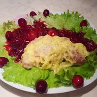 Куриное филе под клюквенным соусом