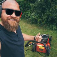 Как ухаживать за газонокосилкой и триммером, чтобы они прослужили дольше