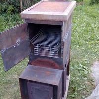 Коптильня, перерожденная из старой печи, или Не спешите избавляться от дачного хлама!