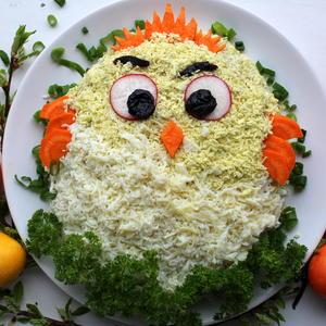 "Праздничный салат ""Цыплёнок"""