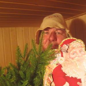 Мы с друзьями ходим в баню..... В парной с Дедом Морозом и елкой