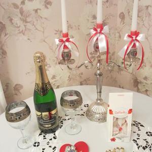 Накрыла внуку с женой романтический новогодний стол и уехала на дачу