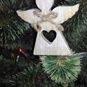 Пусть Ангел принесёт счастье в новом году!