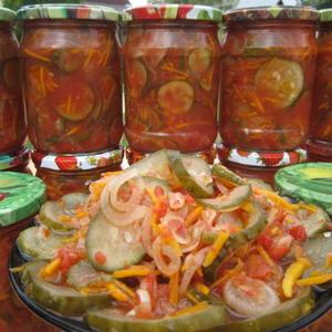 Мой дачный фирменный салат в заготовках