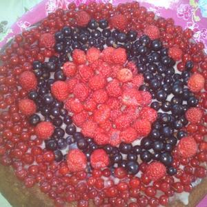 Бисквитный торт со сгущенкой и ягодами!!!! Вкуснотища!!!!